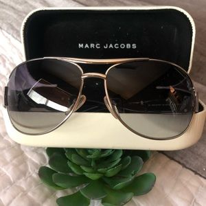 Marc Jacobs Aviator style Sunglasses with case